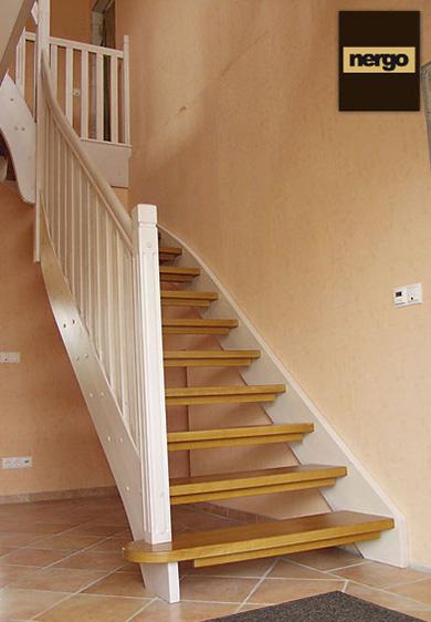 1 4 Gewendelte Treppen Aus Polen Preiswert Und Masssgeschneidert
